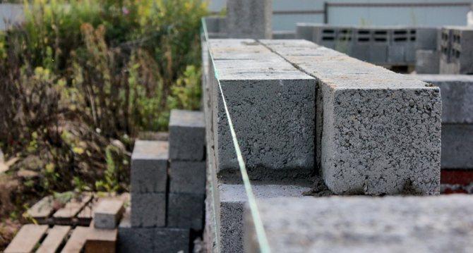 Здание из керамзитоблоков будет иметь отличную теплоизоляцию